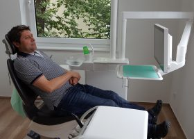 Zahnarztpraxis Dr. Schemmel Wiehl Behandlungsraum